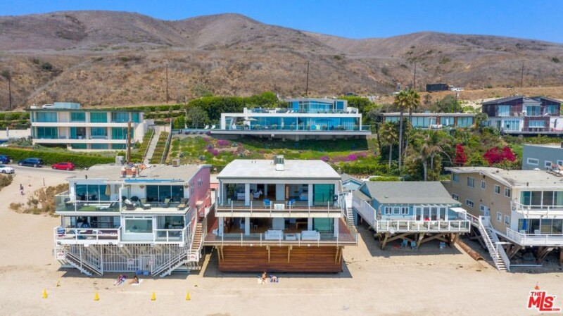 matthew-perry-offers-oceanfront-malibu-retreat-for-15m5